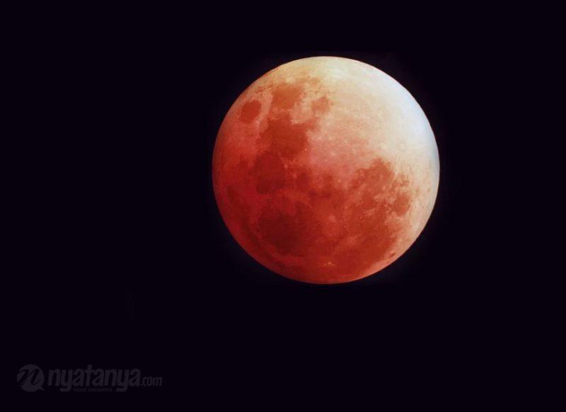 Super Blood Moon aman dilihat dengan mata telanjang. Foto: nyatanya.com/istimewa