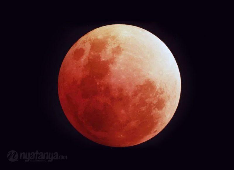 Gerhana Bulan total. Foto: nyatanya.com/istimewa