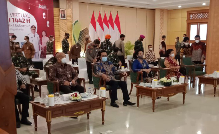 Gubernur DIY dan Wakil Gubernur melaksanakan syawalan secara virtual. Foto: nyatanya.com/istimewa