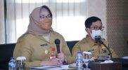 Bupati Sragen Kusdinar Untung Yuni Sukowati saat memimpin Rapat Koordinasi Penanganan Covid-19. (Foto:nyatanya.com/Kominfo Sragen)
