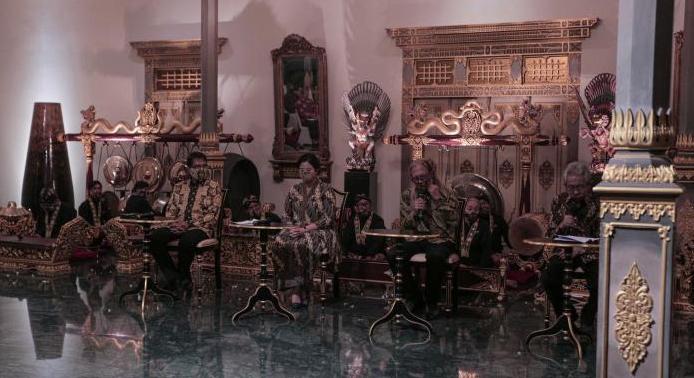 """Dialog Budaya dan Seni """"Yogyasemesta"""" Seri-139 mengangkat topik """"Memaknai Budaya Jawa, Menguatkan Pilar Kebangsaan"""". (Foto:nyatanya.com/Humas Pemda DIY)"""