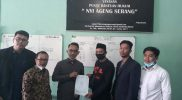 Warga Desa Wadas, Bener, Purworejo menyerahkan surat kuasa kepada tim Kuasa Hukum Nyi Ageng Serang. FOTO : nyatanya.com/ahmad zain