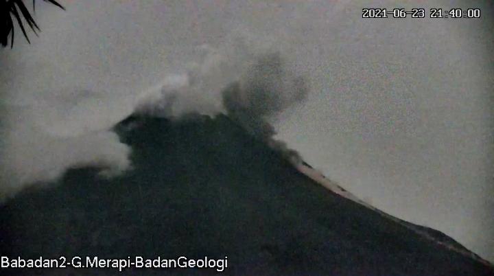Penampakan aktivitas Gunung Merapi Rabu (23/6/2021) pukul 21.40 WIB.(Foto:nyatanya.com/BPPTKG)