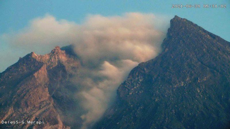 Awan panas guguran Merapi, Rabu (30/6/2021) pukul 05.31 WIB. (Foto: nyatanya.com/BPPTKG)