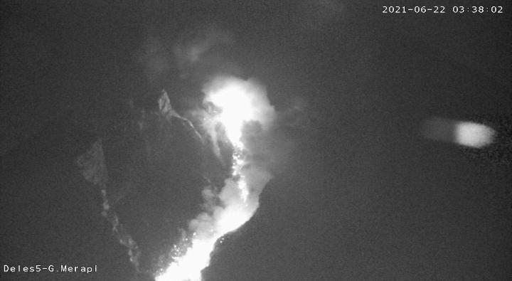 Visual Gunung Merapi Selasa (22/6/2021) pukul 03.38 WIB. (Foto:nyatanya.com/BPPTKG)