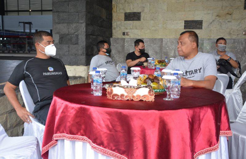 Danrem 072/Pamungkas Brigjen TNI Ibnu Bintang Setiawan, S.I.P., M.M. bersama Sesdispenad Kolonel Inf Drs. Mutamar, M.Sc.(Foto: nyatanya.com/Penrem 072/Pmk)