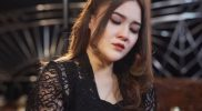 Nella Kharisma dalam video lagu Tak Mungkin Kembali. (Foto:nyatanya.com/Nella Kharisma Official)