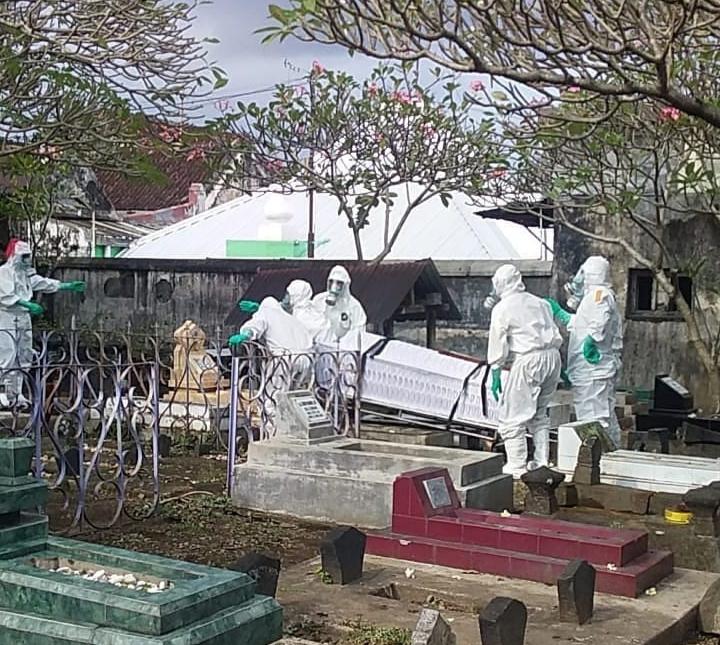 Pelayanan pemakaman dengan protokol Covid-19 dari Pemkot Yogyakarta untuk masyarakat tetap berjalan. (Foto: nyatanya.com/Pemkot Yogya)