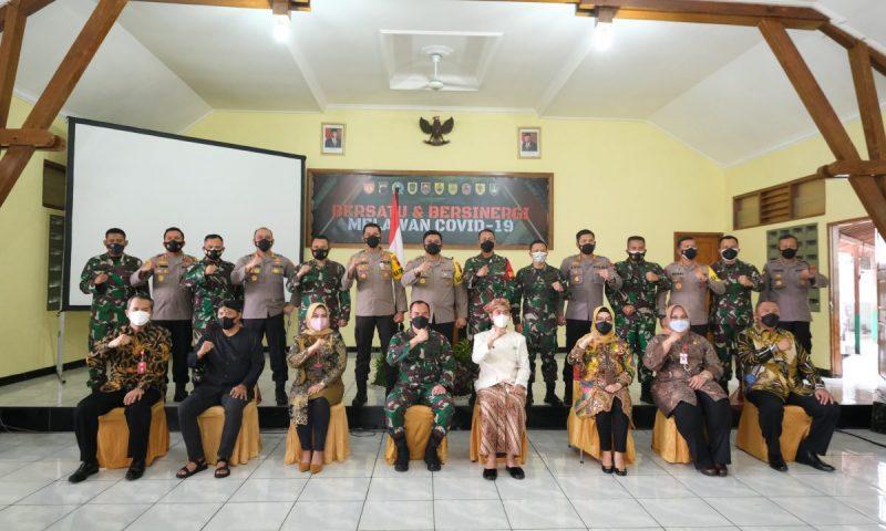 Rakor Kepala Daerah dan Forkopimda se-Solo Raya tangani pandemi.(Foto:nyatanya.com/Humas Pemkot Surakarta)