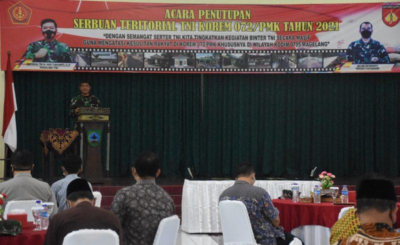 Brigadir Jenderal TNI Ibnu Bintang Setiawan, S.I.P,.M.M. menutup kegiatan Serbuan Teritorial TNI Korem 072/Pamungkas. (Foto: nyatanya.com/Penrem 072/Pmk)