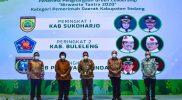 Penghargaan Green Leadership Nirwasita Tantra 2020. (Foto:nyatanya.com/DiskominfoJtg)