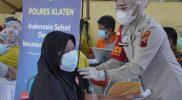 Kegiatan vaksinasi yang difasilitasi Polres Klaten. (Foto: nyatanya.com/Diskominfo Klaten)