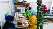 Serka Tutut Subagyo memantau proses vaksin AstraZeneca kepada masyarakat. FOTO : nyatanya.com/istimewa