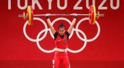 Windy Cantika Aisah sukes pada penampilan perdana pada cabang olahraga angkat besi Olimpiade 2020 Tokyo. (Foto:nyatanya.com/nocindonesia)