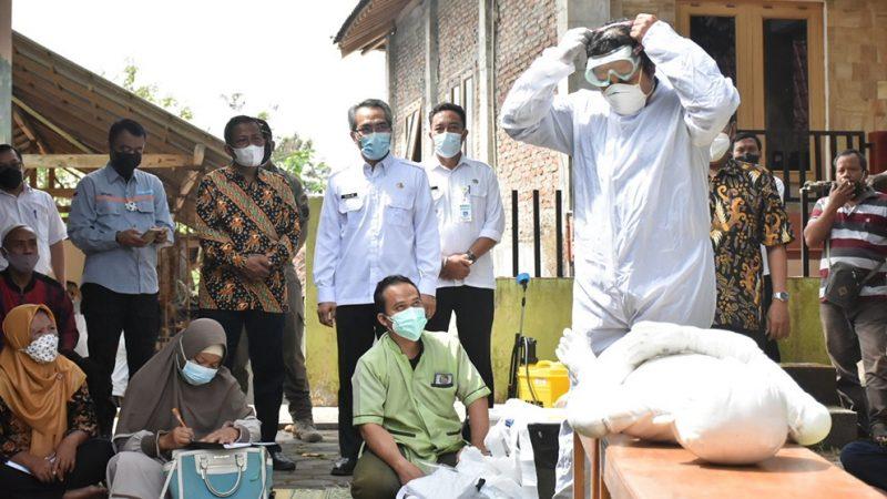 Bupati Bantul H. Abdul Halim Muslim menghadiri acara pembukaan bimbingan teknis tata laksana jenazah infeksius Covid-19 di Srimulyo. (Foto:nyatanya.com/Humas Bantul)