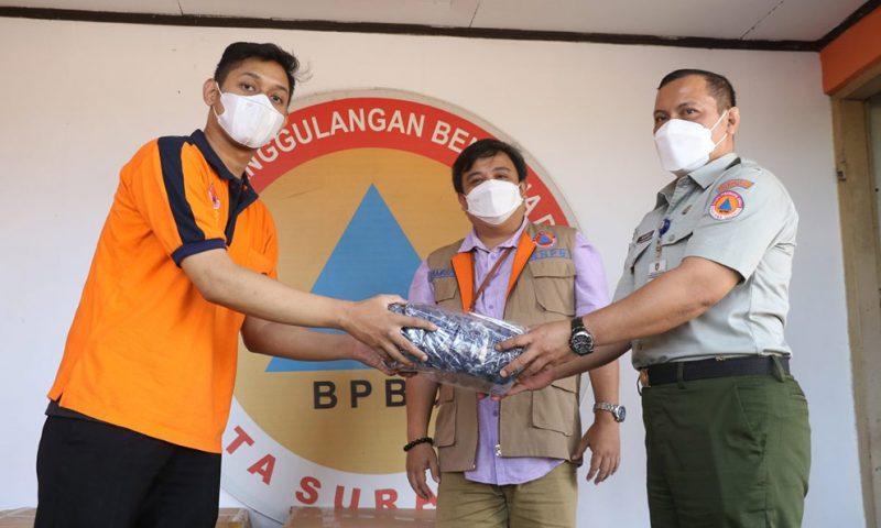 BNPB Pusat memberikan bantuan 13.400 buah masker kepada BPBD Surakarta. (Foto: Humas Pemkot Surakarta)