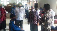 Bupati Sleman bersama Kabinda DIY melihat langsung vaksinasi di SMP N 4 Pakem (Foto: nyatanya.com/ahmad zain)
