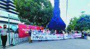 Warga Wadas, Bener, Purworejo menggelar aksi damai di depan Kantor Gubernur Jateng meminta perlindungan atas terancam keselamatannya karena mendukung pembangunan proyek Bendungan Bener. (Foto : nyatanya.com/ahmad zain