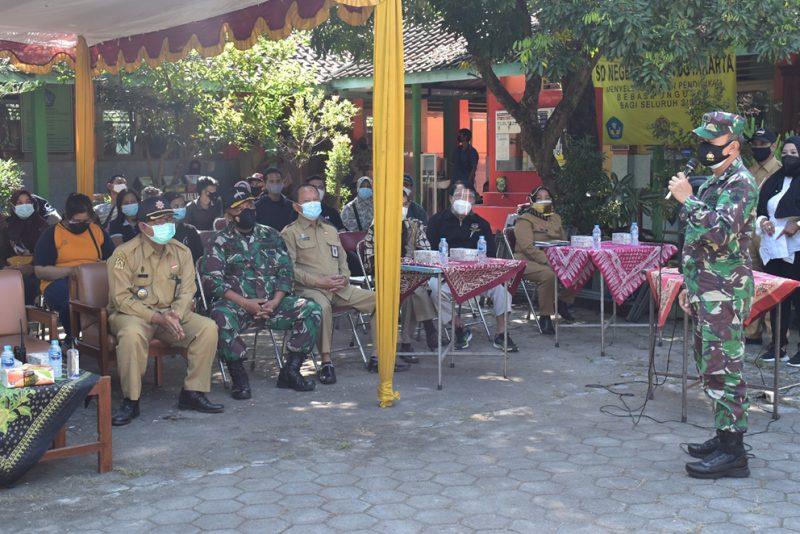 Kepala Staf Kodim 0734/Kota Yogyakarta Letkol Arh Tjatur Supriyono, S.Si., M.Sc saat hadiri launching Jogja Merdeka Vaksin'. (Foto:nyatanya.com/istimewa)