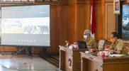 Ganjar Pranowo memimpin rapat evaluasi penanganan Covid-19 di kantornya, Senin (5/7/2021). (Foto:nyatanya.com/Humas Pemda Jateng)