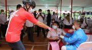 Ganjar Pranowo melihat langsung pelaksanaan vaksinasi bagi pelajar di Semarang. (Foto:nyatanya.com/Humas Jateng)