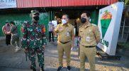 Gibran Rakabuming dan Teguh Prakosa memantau pelaksanaan PPKM Darurat di sejumlah lokasi di Solo. (Foto:nyatanya.com/Humas Pemkot Surakarta)