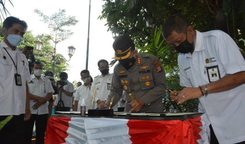 Walikota Yogyakarta Haryadi Suyuti meresmikan Mal Pelayanan Publik di kompleks Balaikota. (Foto:nyatanya.com/Humas Pemkot Yogya)
