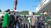 Kasad Jenderal TNI Andika Perkasa bersama Ketua Umum Persit Kartika Chandra Kirana Hetty Andika Perkasa disambut Walikota Surakarta Gibran Rakabuming. (Foto:nyatanya.com/Diskominfo Jateng)