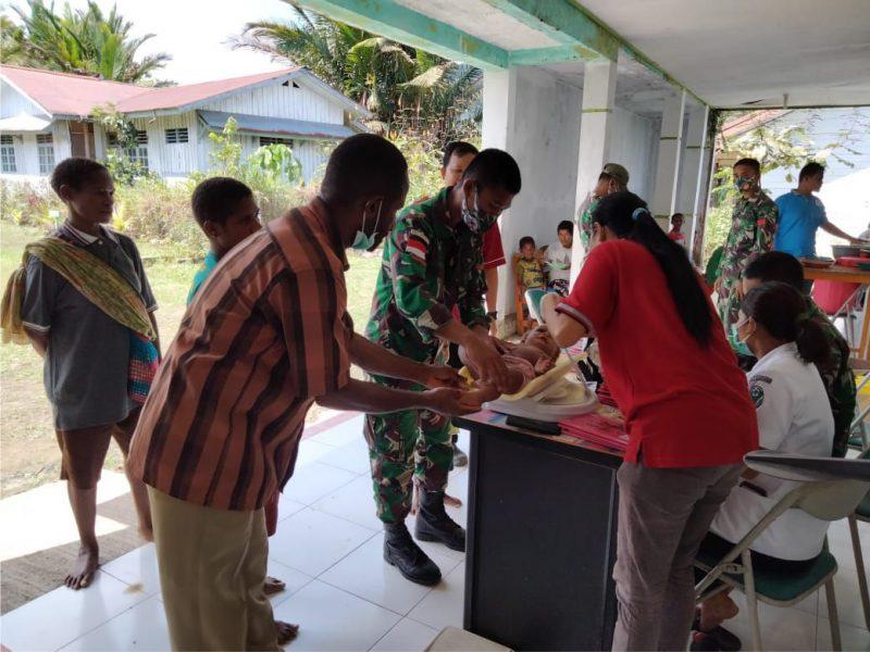 Satgas Pamtas Yonif 403/WP Dukung Gerakan Peduli Kesehatan Ibu Hamil dan Balita. (Foto:nyatanya.com/Pen Satgas Yonif 403/WP)