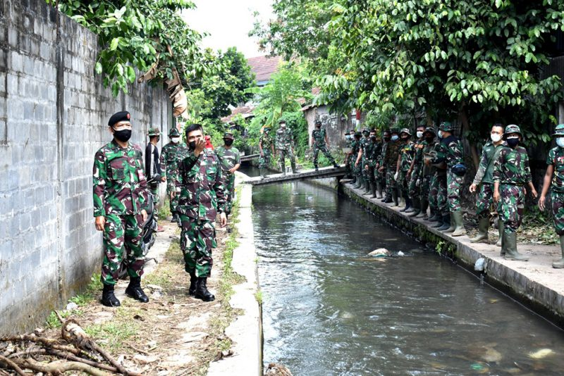 Tim Pengawas dan Evaluasi (Wasev) Kemenhan RI meninjau Lokasi TMMD Ke 111 Kodim 0734/Kota Yogyakarta. (Foto:nyatanya.com/istimewa)