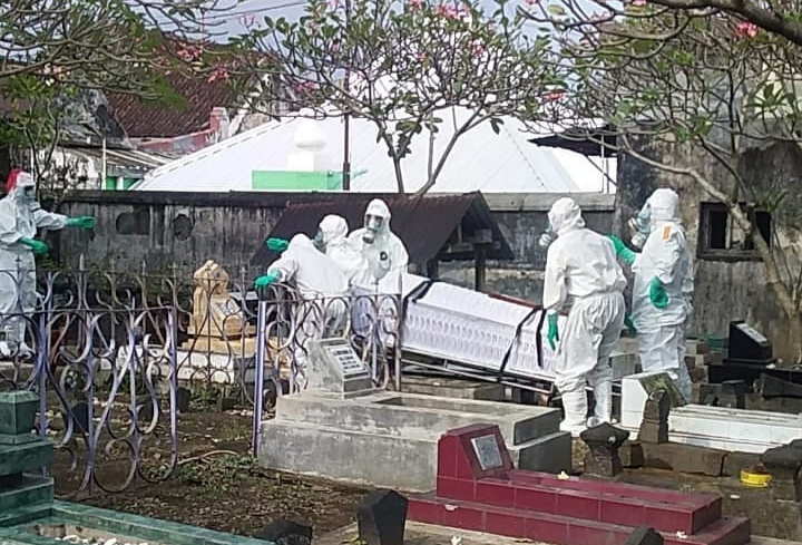 Pemulasaran jenazah mulai libatkan tim KTB. (Foto:nyatanya.com/Humas Pemkot Yogya)