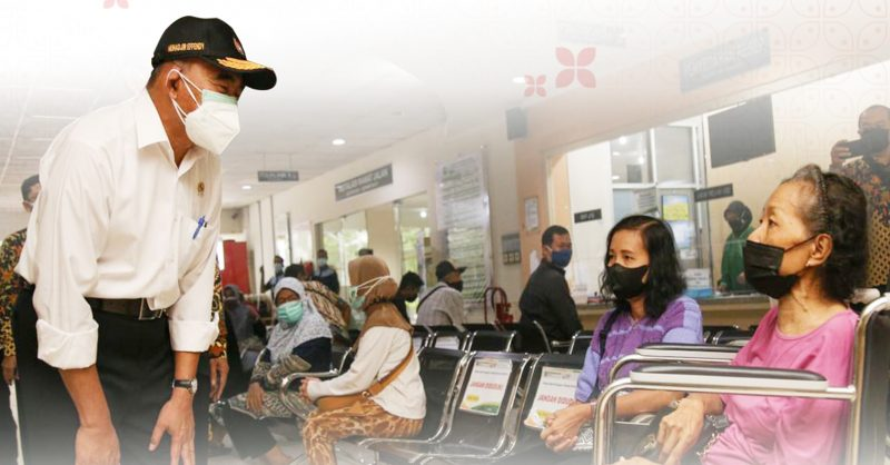 Menteri Koordinator Bidang Pembangunan Manusia dan Kebudayaan (Menko PMK) Muhadjir Effendy dalam kunjungan kerjanya di Yogyakarta, Jumat (16/7/2021). (Foto:nyatanya.com/Humas Pemda DIY)