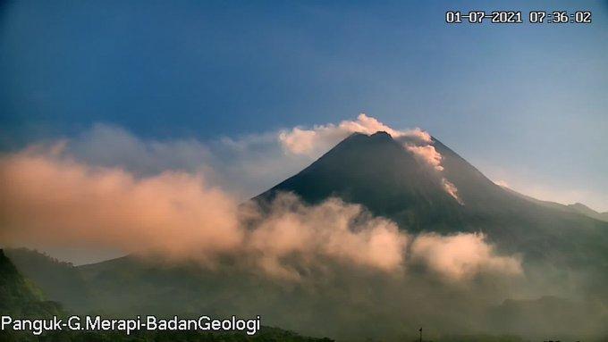 Penampakan Gunung Merapi pukul 07.35 WIB dilihat dari pos Panguk. (Foto:nyatanya.com/BPPTKG)
