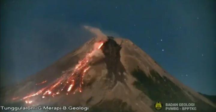 Guguran lava pijar Gunung Merapi, Senin (26/7/2021). (Foto:nyatanya.com/BPPTKG)