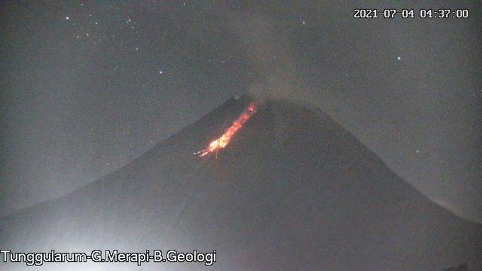 Visual Gunung Merapi saat awan panas guguran pukul 04.36 WIB pagi tadi. (Foto:nyatanya.com/BPPTKG)