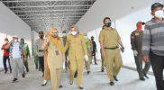 Bupati Pekalongan Fadia Arafiq saat sidak ke Pasar Darurat dan Pasar Baru Kedungwuni.(Foto:nyatanya.com/Dinkominfo Pekalongan)