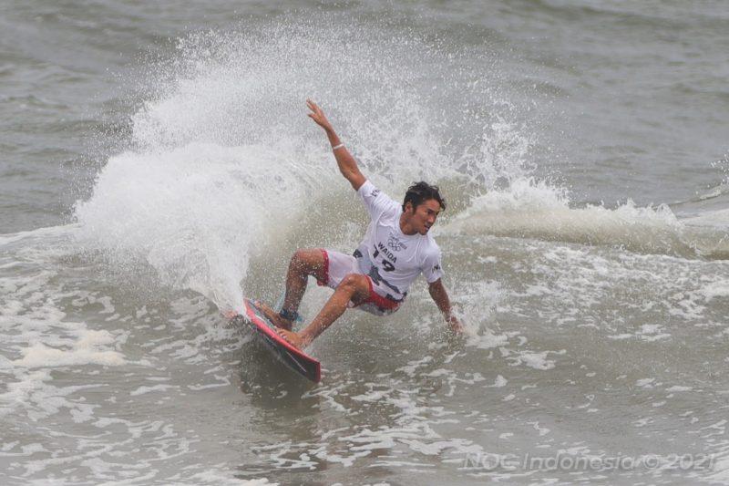 Penampilan Rio Waida di Tsurigasaki Surfing Beach Senin (26/7/21). Rio terhenti pada ronde ketiga. (Foto:nyatanya.com/noc indonesia)