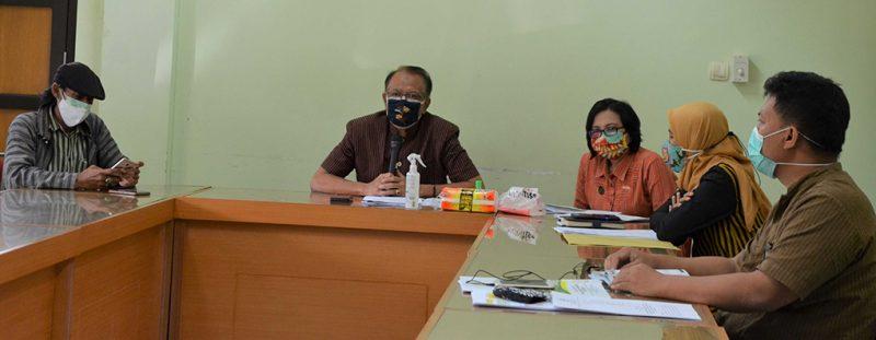 Kepala Dinas Pertanian dan Pangan Kota Yogyakarta Suyana, dalam jumpa pers di Balai Kota, Jumat (16/7/2021). (Foto:nyatanya.com/Humas Pemkot Yogya)