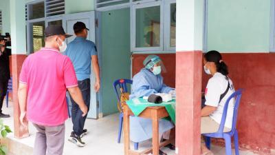 Serbuan vaksinasi Covid-19 bagi warga masyarakat dan nelayan Sadeng. (Foto:nyatanya.com/Humas Pemkab Gunungkidul)