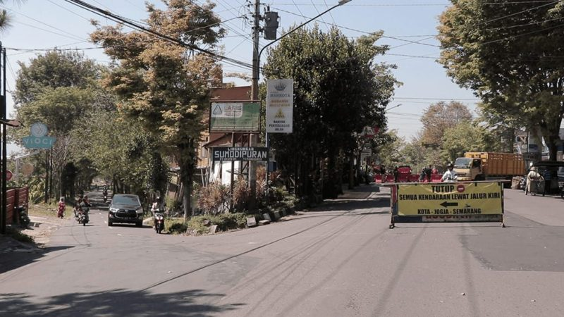 Penyekatan dilakukan untuk mengurangi mobilitas masyarakat selama PPKM Darurat. (Foto:nyatanya.com/Humas Jateng)