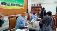Pelaksanaan vaksinasi yang digelar Kejari Pekalongan. (Foto:nyatanya.com/Diskominfo Pekalongan)