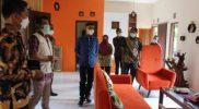 Bupati H. Sunaryanta meninjau paviliun Wanagama. (Foto:nyatanya.com/Humas Gunungkidul)