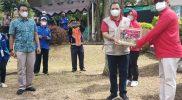 Bantuan paket sembako untuk tenaga kesehatan, sukarelawan, dan warga terdampak Covid-19. (Foto: Diskominfo Kab Semarang)