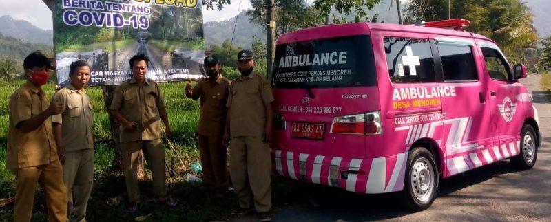 Mobil ambulans milik Pemerintah Desa Menoreh berwarna pink yang imut dan centil. (Foto: Humas Magelang)