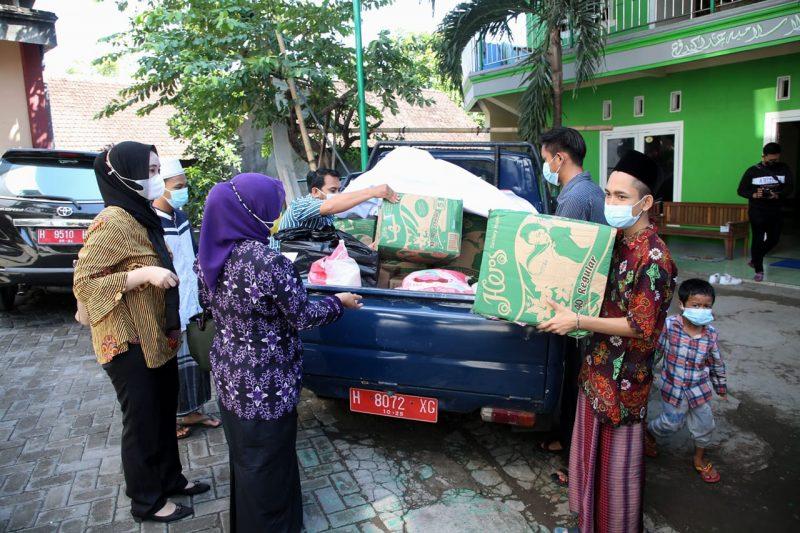 Semakin berkurangnya donatur, Pemprov Jateng bantu sejumlah panti asuhan di Semarang. (Foto:Humas Jateng)