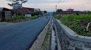 Akses Jalan Bandongan Kaliangkrik kini diperlebar dari 4 meter menjadi 7 meter. (Foto: Humas/beritamagelang)