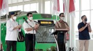 Gubernur DIY Sri Sultan Hamengku Buwono X mendampingi Menkomarvest Luhut Binsar Pandjaitan, soft launching Kereta Bandara Yogyakarta International Airport. (Foto: Humas Pemda DIY)