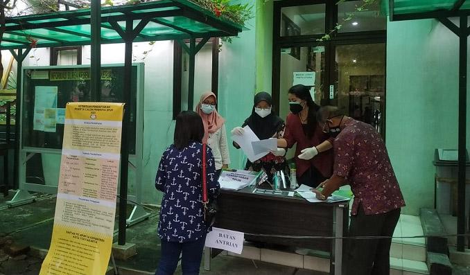 Ilustrasi penyaluran Bantuan bagi Pelaku Usaha Mikro (BPUM). (Foto: HUmas Pemkot Yogya)