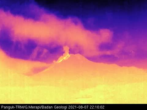 Visual Gunung Merapi, Sabtu (7/8/2021). (Foto: BPPTKG)