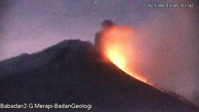 Foto visual awan panas Gunung Merapi yang terekam Jumat (13/8) pukul 05.03 WIB. (Foto: BPPTKG)